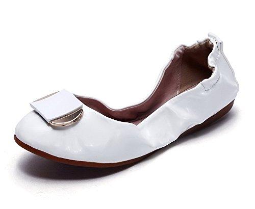 AllhqFashion Damen Lackleder Ziehen auf Rund Zehe Niedriger Absatz Rein Pumps Schuhe Weiß