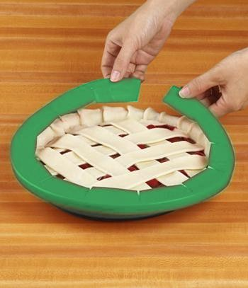 Silicone Pie Crust Shields (2 pack), Adjustable Pie Protectors, Green by Cornucopia Brands (Image #3)
