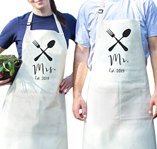 fodiyaer Mr. and Mrs. Gifts 2019 Couple Apron, Wedding Gift for The Couples, Newlywed Gifts for Wedding Idea, Adjustable Button