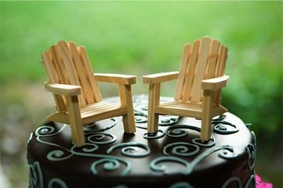 2 Adirondack Plain Wood Chairs and 2 Fences Cake Decorations
