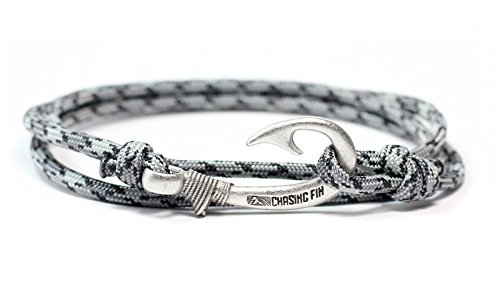 Chasing Fin Adjustable Bracelet 550 Military Paracord with Fish Hook Pendant (Titanium)