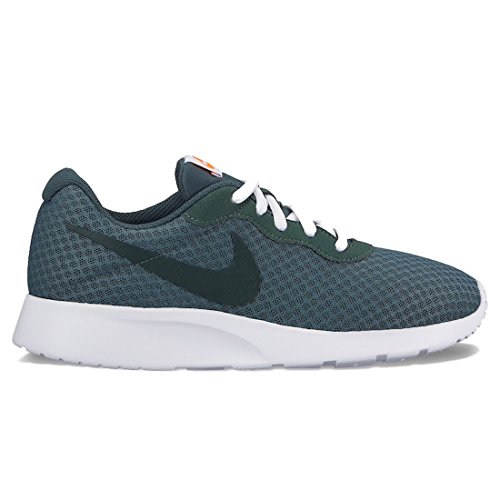 NIKE Womens Tanjun Running Shoes (6.5 B(M) US, Outdoor Green/Vintage Green)
