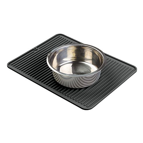 mDesign Premium Quality Pet Food and Water Bowl Feeding Mat for Cats or Dogs - Waterproof Non-Slip Durable Silicone Placemat - Food Safe, Non-Toxic - Large, Black by mDesign (Image #3)