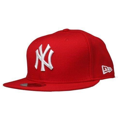 eca471a75d0 New Era New York Yankees C-Dub 59FIFTY Cap at Amazon Men s Clothing store