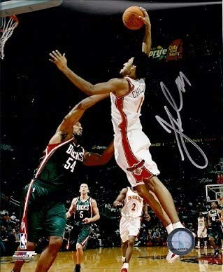 Autographed Signed Josh Childress Atlanta Hawks 8x10 Photo - Certified Authentic ()