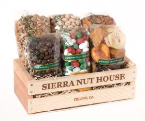 Fruits Sierra Gift Crate - Assorted Nuts and Fruits [Almonds (Raw + Chocolate), Walnuts, Fruit, Pistachios, Raisins]