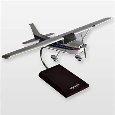 Mastercraft Collection MCC172W Cessna Model 172 Skyhawk Desktop Wood Model