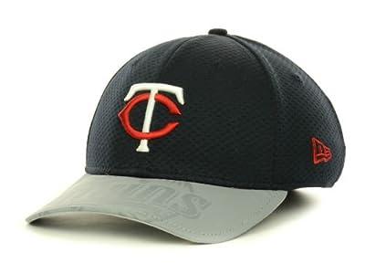 Minnesota Twins New Era 3930 Size Medium / Large Flex Fit Hat Throwback TC Logo - Best Fits 7 1/4 through 7 3/4