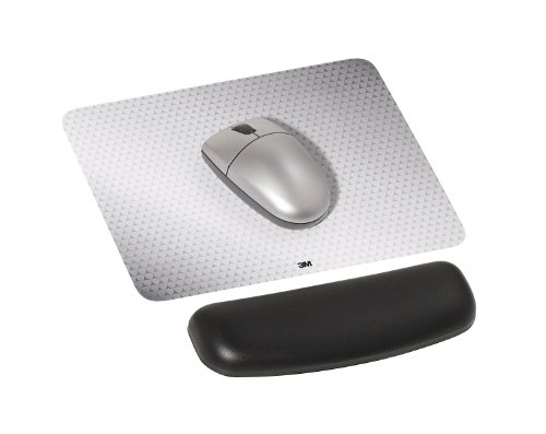 """3M Gel Wrist Rest for Mouse, Soothing Gel Comfort with Durable, Easy to Clean Leatherette Cover, Antimicrobial Product Protection, 6.9"""", Black (WR305LE)"""