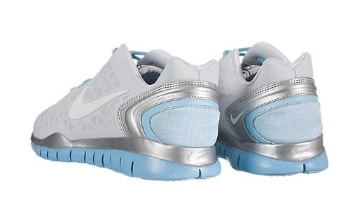 new style 2b196 9f5d4 Amazon.com   NIKE Women s Free TR Fit 2-487789-004 (10, Pure Platinum Metallic  Silver-Tide Pool Blue-White)   Road Running