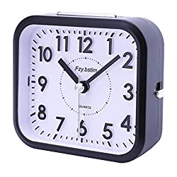 Fzy.bstim Battery Operated Analog Alarm Clock with 3D Numbers,Snooze,Ascending Sound Alarm,Non Ticing Silent Alarm Clocks for Bedrooms,Black