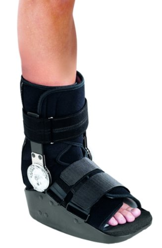 MaxTrax ROM Walker Cast Boot Short, Medium by ProCare