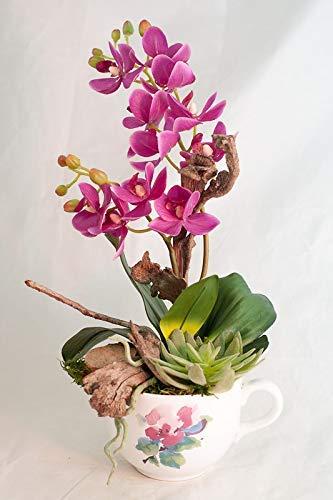 Arreglo Floral Con Una Planta De Orquídeas En Una Taza