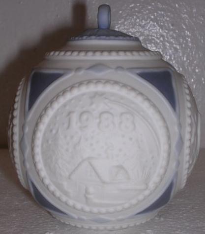 Lladro 1988 Blue Porcelain Christmas Ball Ornament
