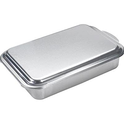 Nordic Ware Classic Metal 9x13 Covered Cake Pan New