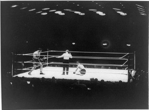 Photo: Fight,Chicago Stadium,Primo Carnera,Elzear Rioux,referee Dave Barry,Jan. 31,1930