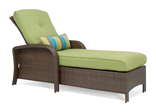 La-Z-Boy Outdoor Sawyer Patio Furniture Chaise Lounge Chair (Cilantro Green)