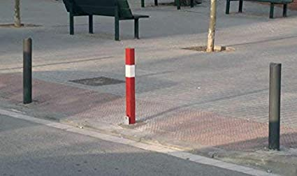 Pilona desmontable de hierro 3 Pilonas extra/íbles roja//blanca Bolardo extra/íble roja y blanca con cerradura y llave universal