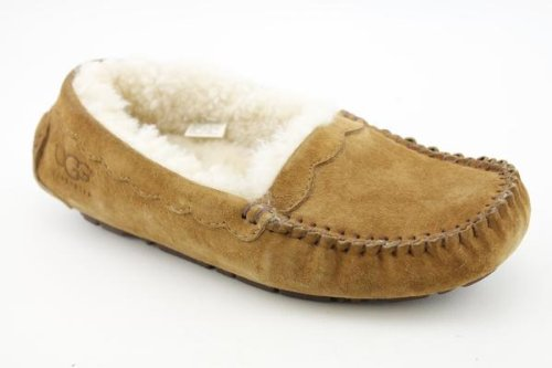 b681ce066c0 Amazon.com | UGG Chestnut Scalloped Moc Womens Slippers Size 5 ...