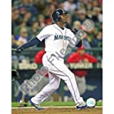 Ken Griffey, Jr. Mariners Hitting 2009 8x10 Photo