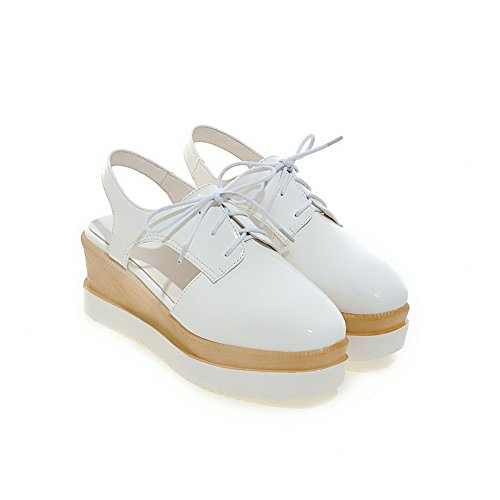 AllhqFashion Women's PU Solid Lace-up Round Closed Toe Kitten-Heels Sandals White wJ0Flz3lV7