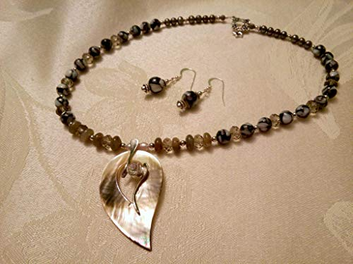Heart Jewelry necklace Freshwater black Pearls Labradorite Nacre Swarovski crystals Mother of pearl Pendant with silver nacre earrings (Heart Labradorite Earrings)