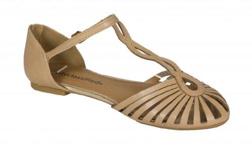 Stad Klassificeras Kvinna Dozo Bur T Rem Flat Sandal I Naturlig Konstläder