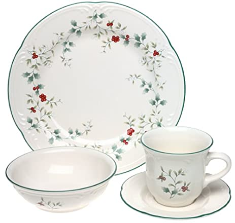 Pfaltzgraff Winterberry 16-Piece Dinnerware Set with Cup and Saucer Service for 4  sc 1 st  Amazon.com & Amazon.com | Pfaltzgraff Winterberry 16-Piece Dinnerware Set with ...