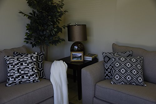 AM Home Rangoli Pattern Boho Pillow 18 x 18 Black//White