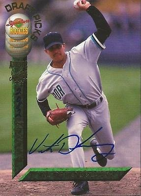 Vic Darensbourg 1994 Signature Rookies Certified Autograph Card RC /7750 #100