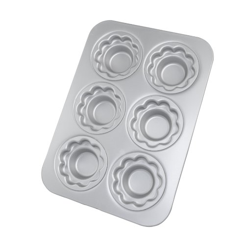 Fat Daddio's Crown Muffin/Cupcake Pan with 6 Petal Shaped Cups