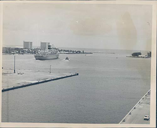 Vintage Photos 1963 Press Photo Transportation Port Everglades Ship Fort Lauderdale FL 8x10