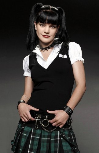 Pauley Perrette 11x17 HD Photo Poster Hot Actress #02 -