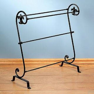 Amazon.com: Iron Quilt Rack Comforter Display Stand Throw Bedroom ... : metal quilt rack - Adamdwight.com