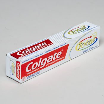 COLGATE TOTAL TOOTHPASTE 1.9 OZ CLEAN MINT EXP APRIL 2015...