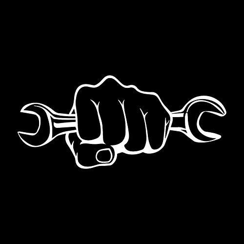 Amazon.com: 17.77.9 CM Adesivos de Carro Personalizado Mecanico Segurando Uma Chave Engracado Da Motocicleta Decalques de Vinil Preto/Prata - (Color Name: ...