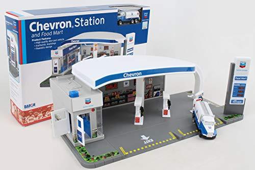 Daron Chevron Gas Station Playset ()