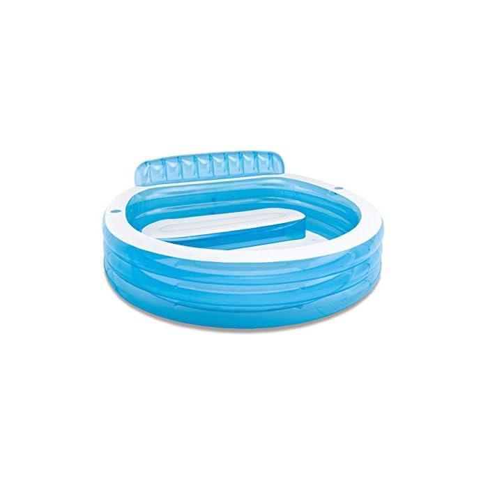 41JFOXHphLL Piscina hinchable Intex Familu Lounge, medidas piscina: 224 x 216 x 76 cm, capacidad: 590 litros, uso recomendado para mayores de 3 años Estructura formada por tres aros hinchables, fabricada en vinilo resistente de 0,32 m de grosor en color blanco y azul La piscina cuenta con respaldo y sillón hinchable, el borde tiene dos porta bebidas, uno a cada lado. Intex 57190NP ¡Ideal para pequeños y mayores! Y es que estapiscina hinchable circularcuenta con un sillón hinchable con respaldo incorporado en una zona de la piscina y dos portabebidas de tamaño estándar para poder tener a mano agua o vuestras bebidas favoritas. La piscina, con susmedidas de 224x216x76 cm, tienecapacidad para 590 litros de aguaal llenarla hasta la altura recomendada (30 cm). El diseño de la piscina está formado por tres aros hinchables y dos colores: azul celeste transparente y blanco opaco. Para la fabricación de lapiscina familiar Intexse ha utilizado material vinílico extra resistente con un grosor de 0,32 mm. Además, la piscina cuentacon 2 cámaras de aire, ambas con válvula doble para un inflado y desinflado más rápido y cómodo. Esta piscina está recomendada para que la usen niños y niñas de 3 años en adelante y adultos.Incluye tapón de drenajepara hacer más cómodo el proceso de vaciadoy kit de reparaciónpor si tuvieras que arreglar algún pequeño poro o pinchazo. Es el momento de hacerte con estapiscina hinchable familiar de Intexy darle un nuevo toque a tu jardín. ¡Seguro que tu familia lo agradece este verano! Características principales de la piscina con sillón Intex 57190NP Piscina hinchable Intex familiar con sillón. Las medidas de la piscina montada son: 224x216x76 cm La piscina tiene tres aros hinchables y está fabricada con vinilo resistente El sillón hinchable y extraíble está incorporado en el interior de la piscina. El sillón lleva respaldo La piscina tiene 2 cámaras de aire, cada una con una válvula de inflado y desinflado Incluye 2 portabotellas en la parte superior de