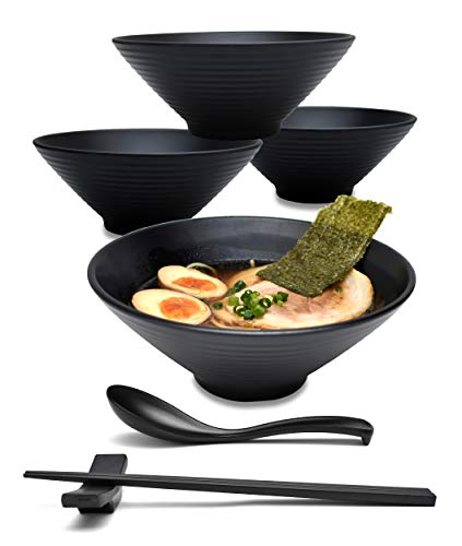 4 Sets (16 Pieces) 32 Ounce Japanese Ramen Noodle Soup Bowl Melamine Hard Plastic Dishware Set with Matching Spoon and Chopsticks for Udon Soba Pho Asian Noodles (4, Black, 7.5 inches)