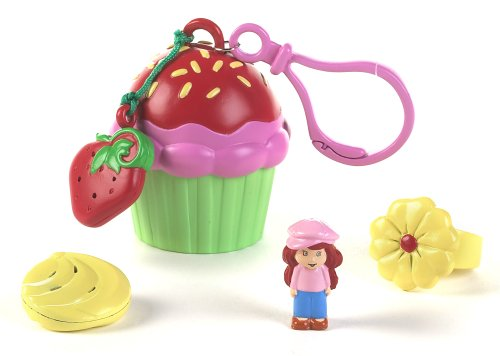 Strawberry Shortcake Tiny Treats: Strawberry Shortcake with Cupcake - Strawberry Shortcake Keychains