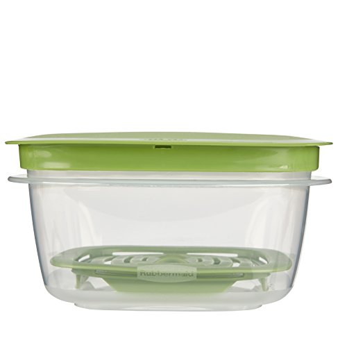 Rubbermaid Produce Saver Food Storage Container, 5 Cup 1776415