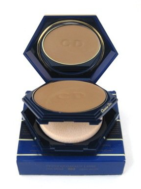 (Christian Dior Teint Compact Lisse SPF 15 Deep Beige/Vrai Beige 462 - Smoothing Creme-to-Powder Compact Foundation .35 oz)