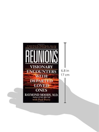 Reunions visionary encounters with departed loved ones raymond reunions visionary encounters with departed loved ones raymond moody jr paul perry 9780804112352 amazon books fandeluxe Images