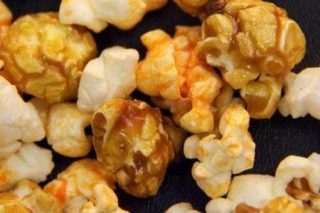 (Cornology's 100% Non-GMO Corn Gourmet Popcorn: C Squared = Caramel & Double Cheddar Cheese - 7 Cup Bag)