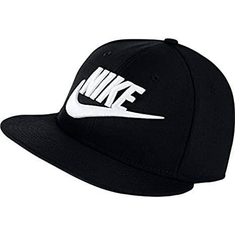 Amazon.com  Nike Futura True Snapback  Sports   Outdoors c8c058ad8f16