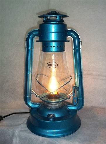 Dietz Blizzard Vintage Style Electric Lantern Table Lamp Dietz