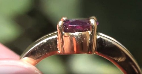 Purple Sapphire 1.53ct Calms overactive body systems and aids in regulation of the glands.