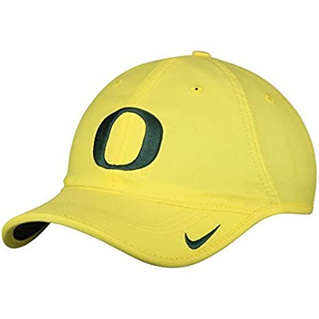32b62df9bd2 Image Unavailable. Image not available for. Color  NIKE Oregon Ducks Heritage  86 Vapor Performance Adjustable Hat ...