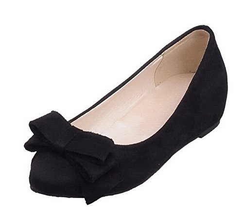 AllhqFashion Damen Blend-Materialien Rund Zehe Niedriger Absatz Ziehen auf Rein Pumps Schuhe Schwarz