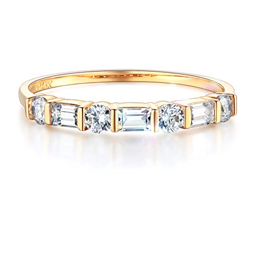 Wellingsale Ladies Solid 14k Yellow Gold Polished CZ Cubic Zirconia Wedding Band - Size 8 14k Yellow Gold Ladies Ring